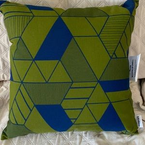 NWT! Set of 2 Modern by Dwell outdoor pillows!